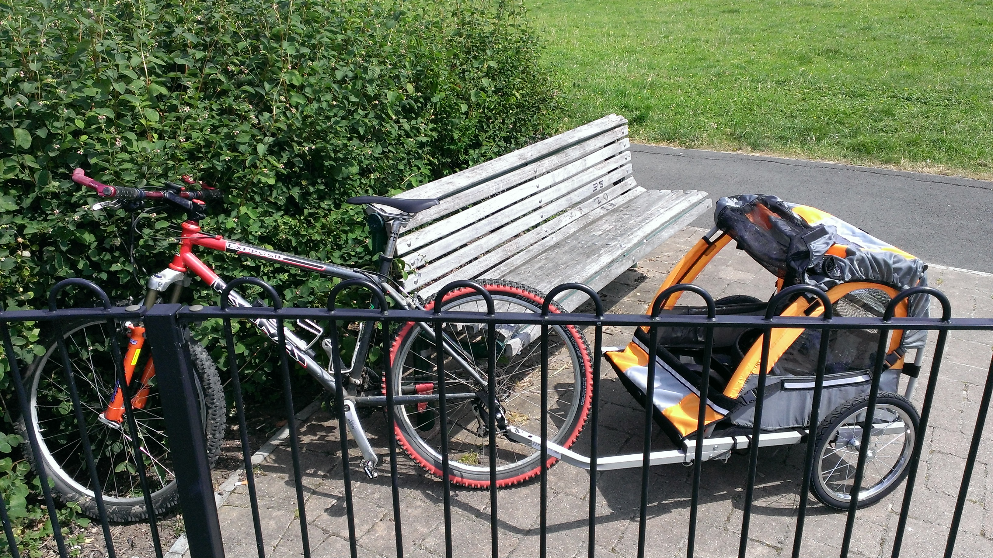 Shortnbike Adrian S Bike Blog Review Halfords Double Buggy